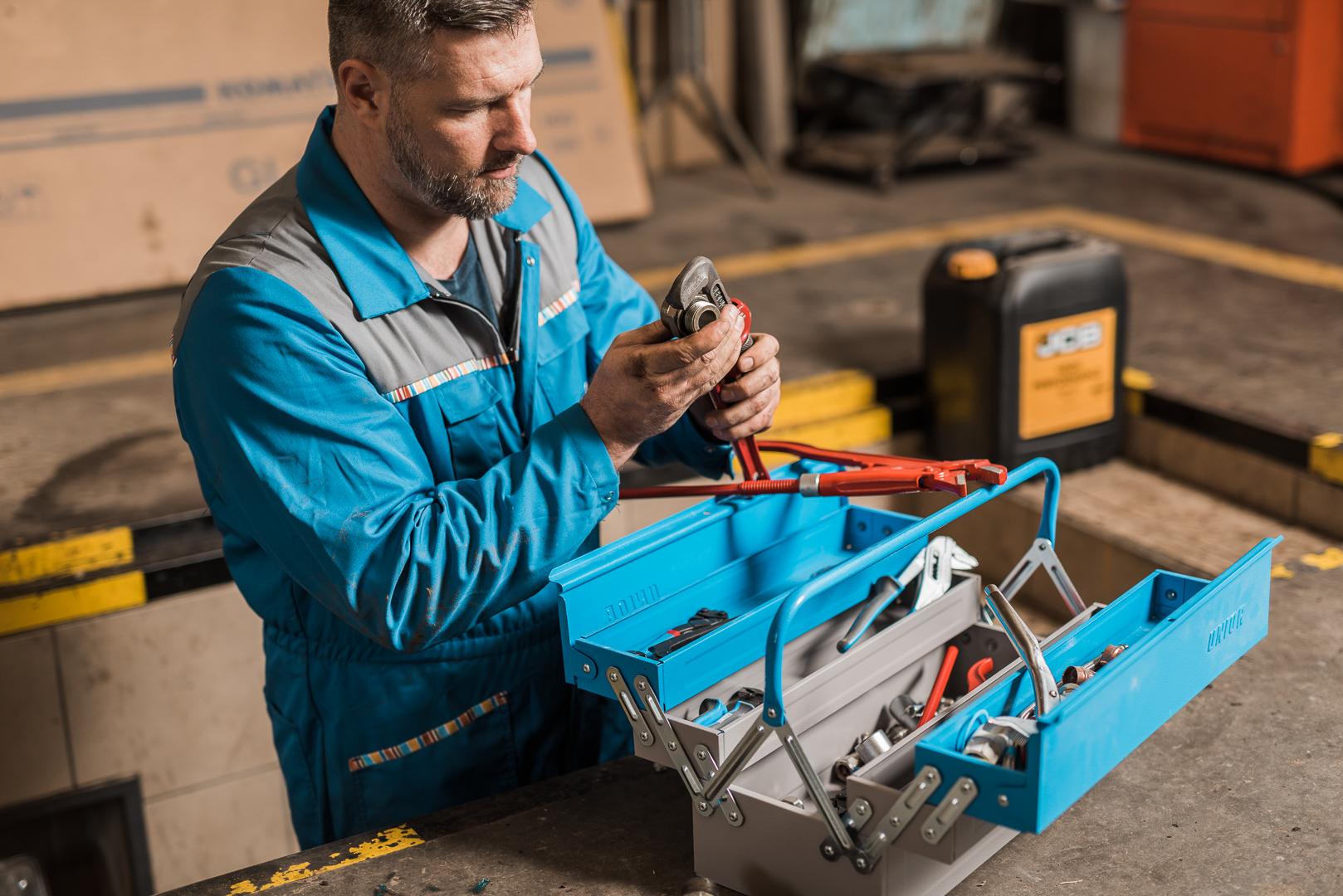 Akcija u julu - alati za obradu cevi za vodoinstalatere i kutije za alat